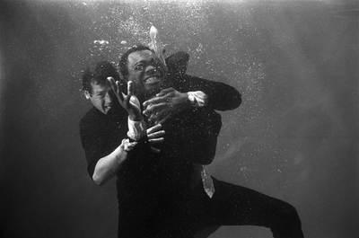 بیماری قرائتی سرطان زندگی هنری «راجر مور» بازیگر نقش جیمزباند