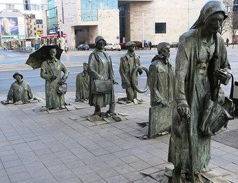 «بنای یادبود یک رهگذر ناشناس»، واقع در شهر وروتسواف لهستان