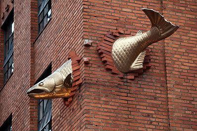 «مجسمه ماهی قزل آلا»، پورتلند، اورگن، ایالات متحده آمریکا